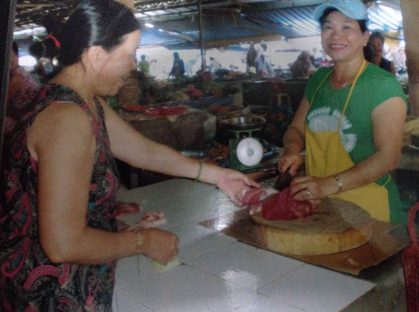 Hộ kinh doanh thịt Heo tại chợ Cẩm Lệ - Đà Nẵng
