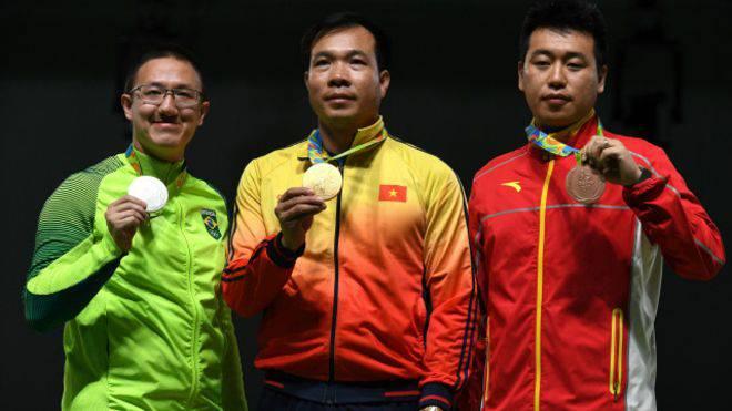 Hoàng Xuân Vinh giành HC vàng Olympic ! Người Việt Nam đầu tiên dành huy chương vàng tại Thế Vận Hội !